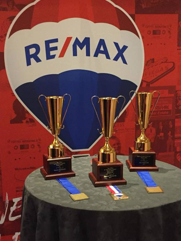 RE/MAX Masters Millennium Garners Top Sales Award for 2017