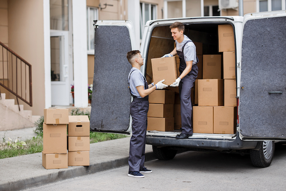 Thinking about downsizing? Here's some tips that will help make the process go more smoothly