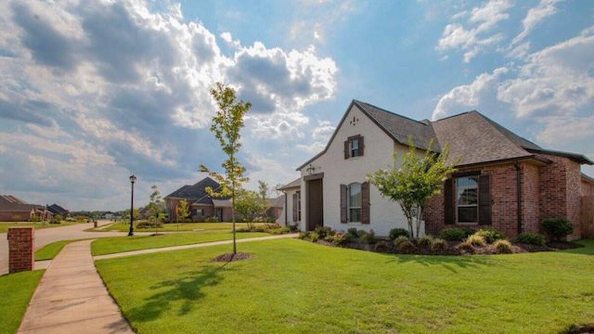 Pending-home sales decline 4.4% in April