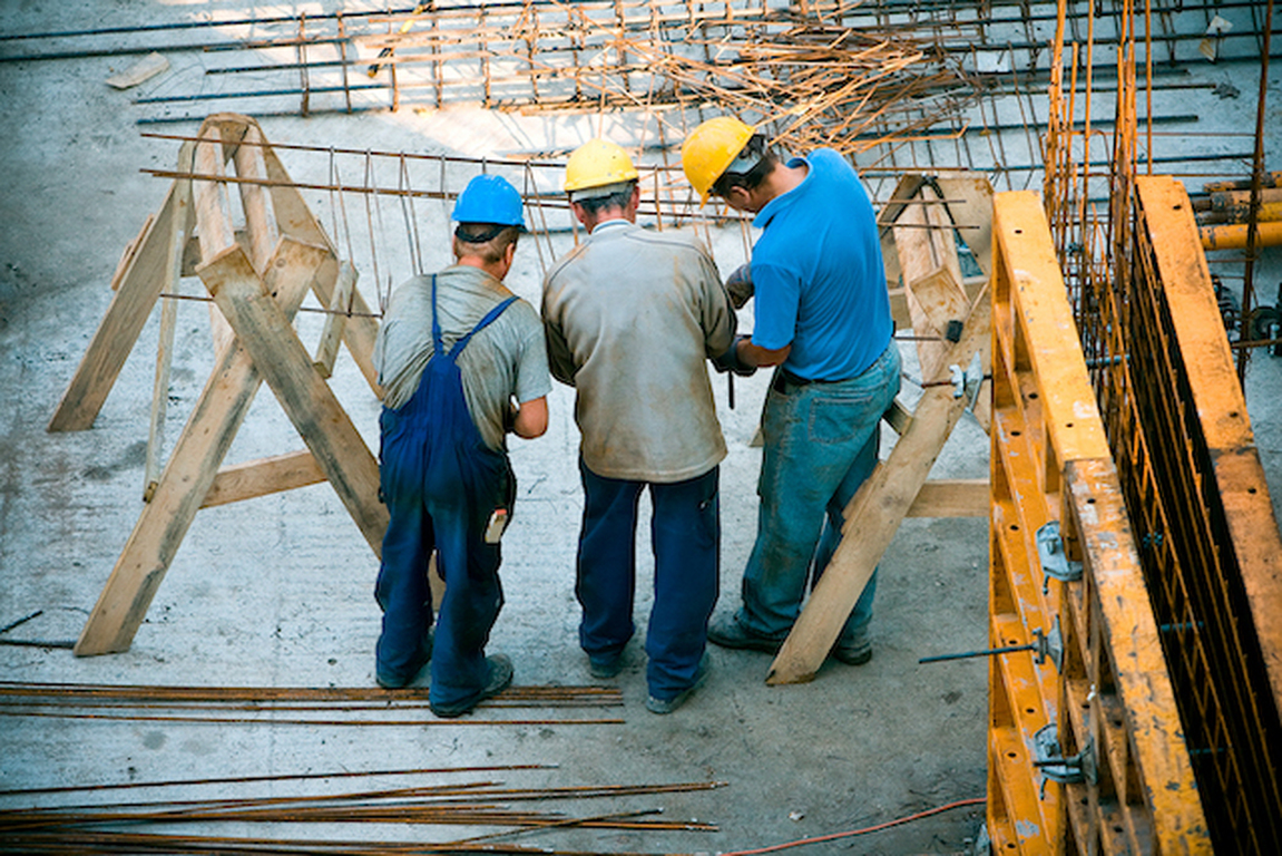 Home construction material costs decrease for first time in 2021