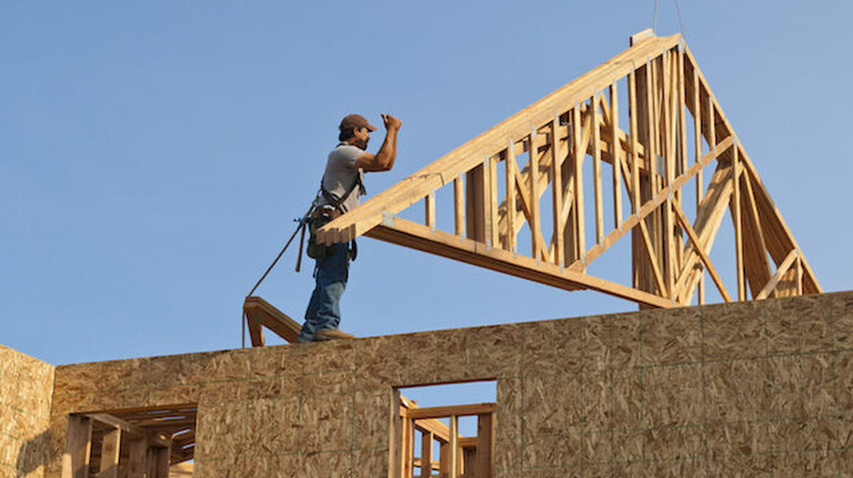 Major obstacles preventing builders from abandoning lumber