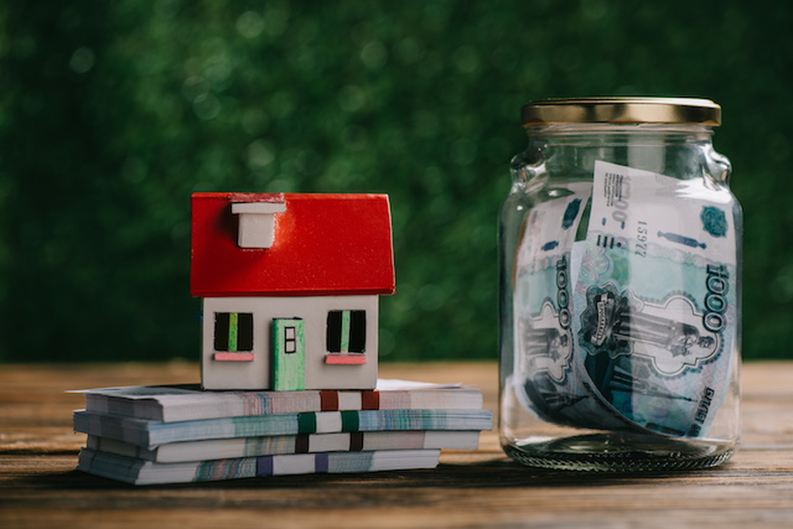 Homeseller profits experience decline in first quarter